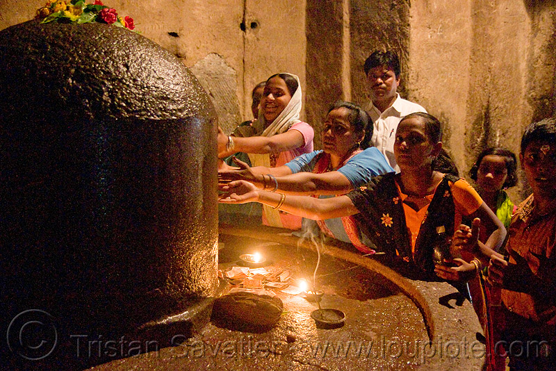 stone lingam - kailash monolithic hindu temple - ellora caves (india), hinduism, kailasa temple, kailasanatha temple, kailash temple, kailashnath temple, kailashnatha temple, linga, people, praying, rock-cut, shiva lingam, कैलास, कैलास मन्दिर