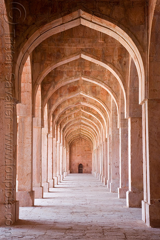 stone vaults - palace ruins - mandu (india), architecture, columns, mandav, perspective, vanishing point