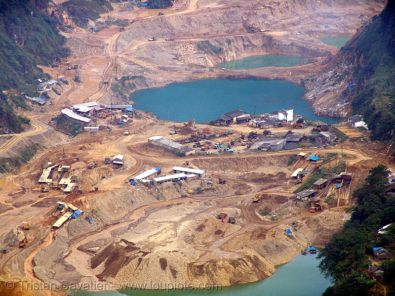 strip mine - vietnam - Tình Túc tin mine, flooded, mine ponds, open pit mine, open pit surface mine, open-cut mine, opencast mine, strip mine, tin mine, tinh tuc, tình túc, water