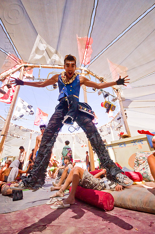 suliman nawid - burning man 2012, center camp, jump, jumpshot, people