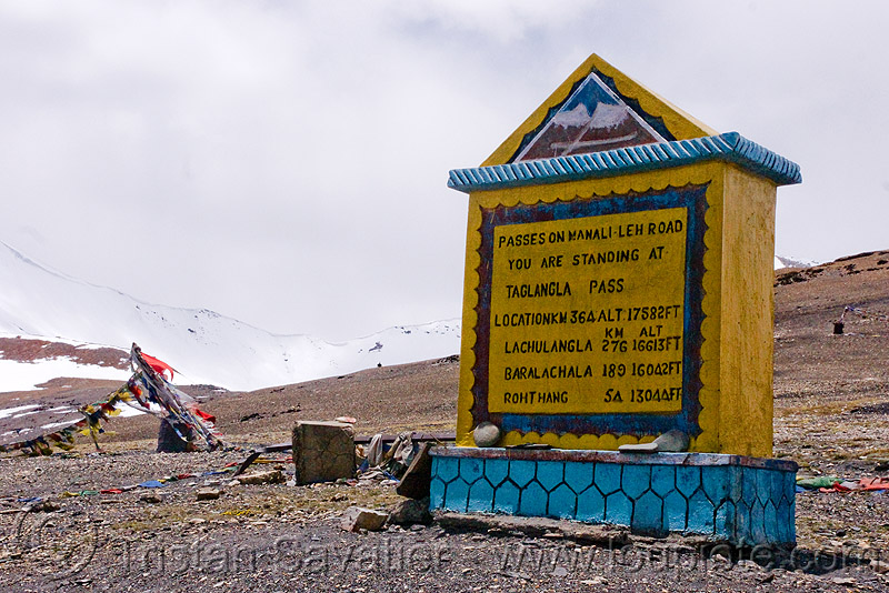 tanglang pass - manali to leh road (india), ladakh, mountain pass, mountains, road marker, sign, taglangla, tanglang pass, tanglangla