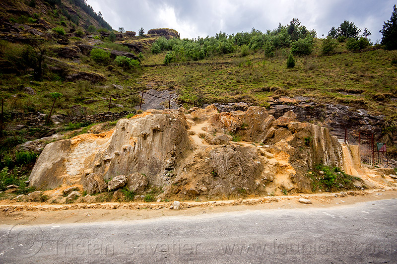 tapovan hot springs (india), dhauliganga valley, mountains, road, sulfurous hot springs