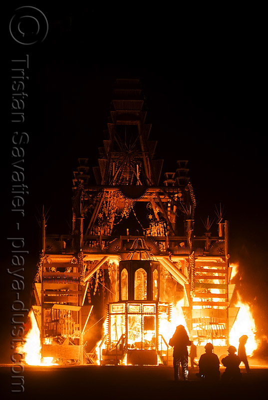temple burning - basura sagrada - burning man 2008, basura sagrada, burning man, fire, flames, night, temple burning