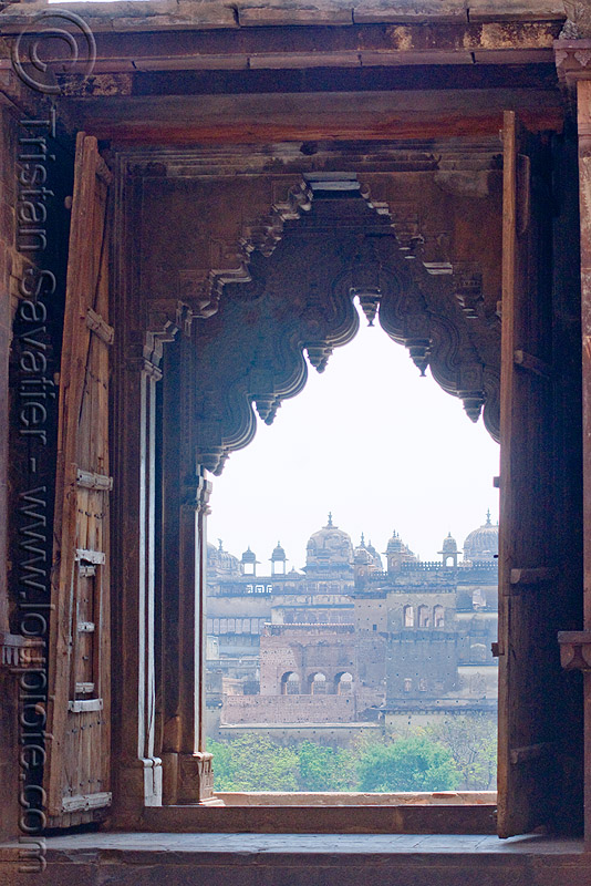 temple gate - orchha (india), chatarbhuj temple, chaturbhuj mandir, gate, hindu temple, hinduism, orchha, palace, wood carving, wooden door