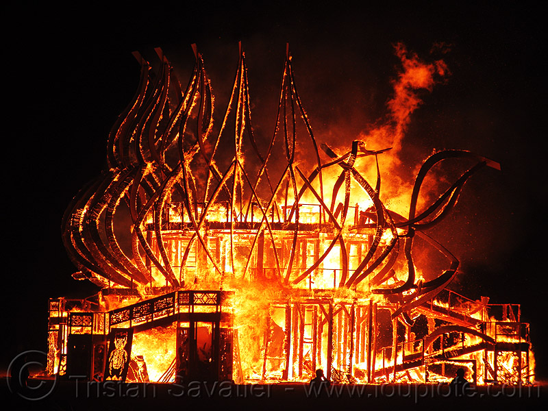 the temple is burning - burning man 2009, burn, fire, fire of fires, flames, night