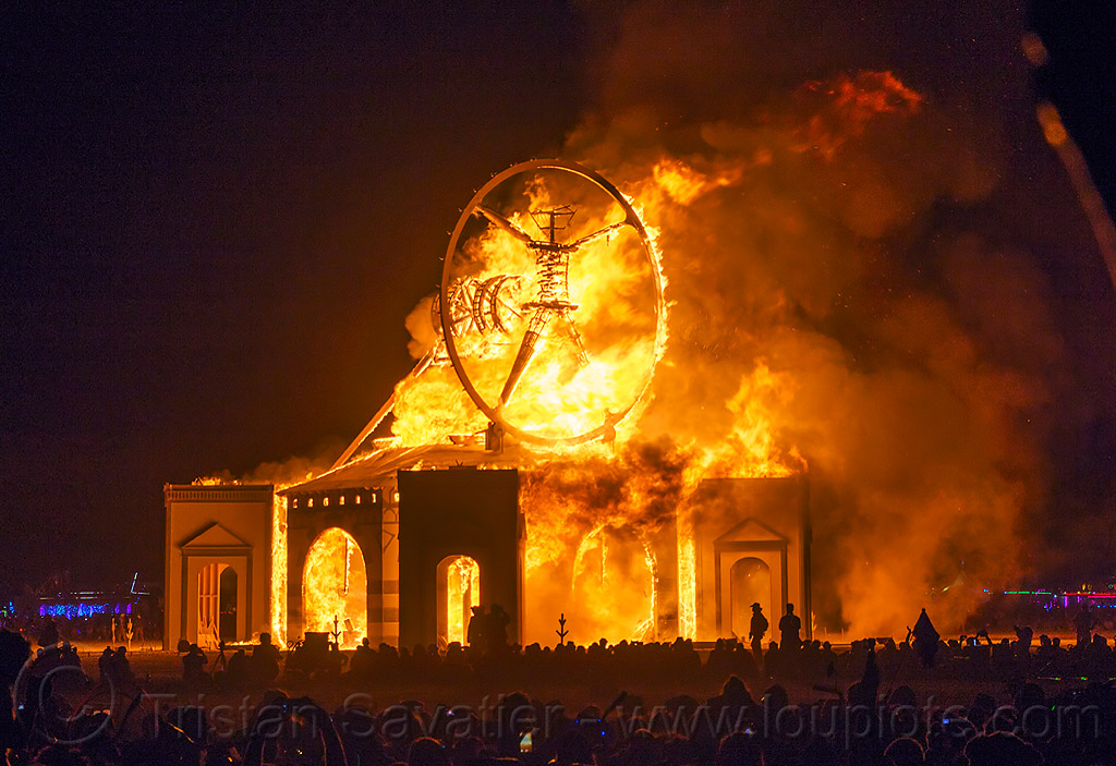 the man ablaze - vitruvian man - burning man 2016, burning man, fire, flame, night, the man, vitruvian man