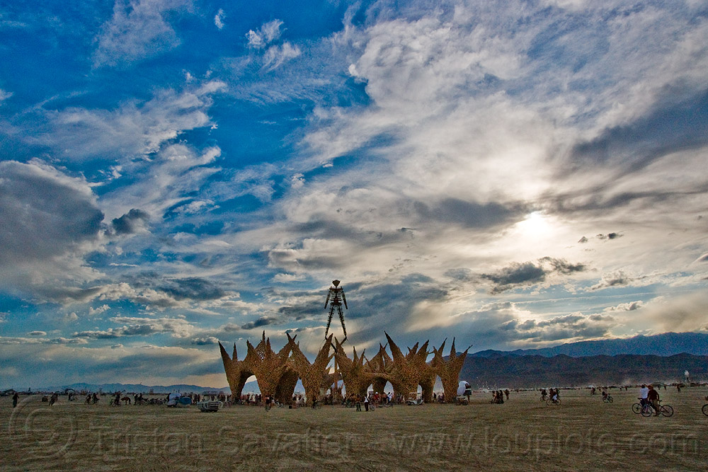 the man at sunset - burning man 2009, burning man, clouds, sunset, the man