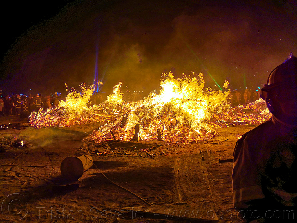 the man's burn - burning man 2019, burning man, night