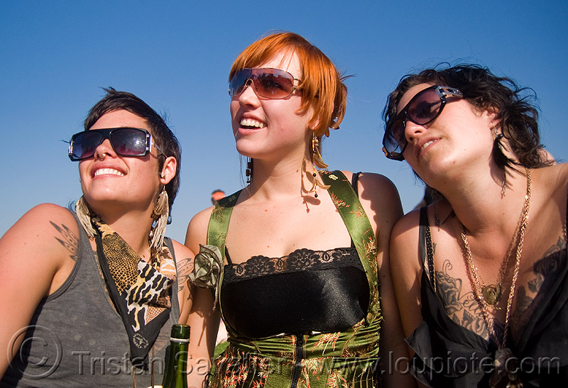 three girls - jaq and friends, girls, jacqulynn, women