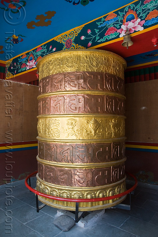 tibetan prayer wheel, keylong, ladakh, prayer mill