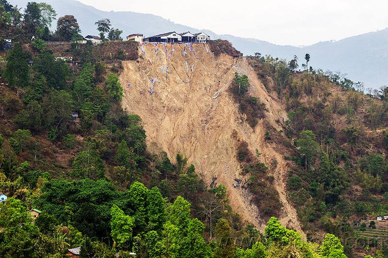 tindharia landslide - darjeeling (india), broken, darjeeling himalayan railway, darjeeling toy train, mountain road, tindharia work, tindharia workshops