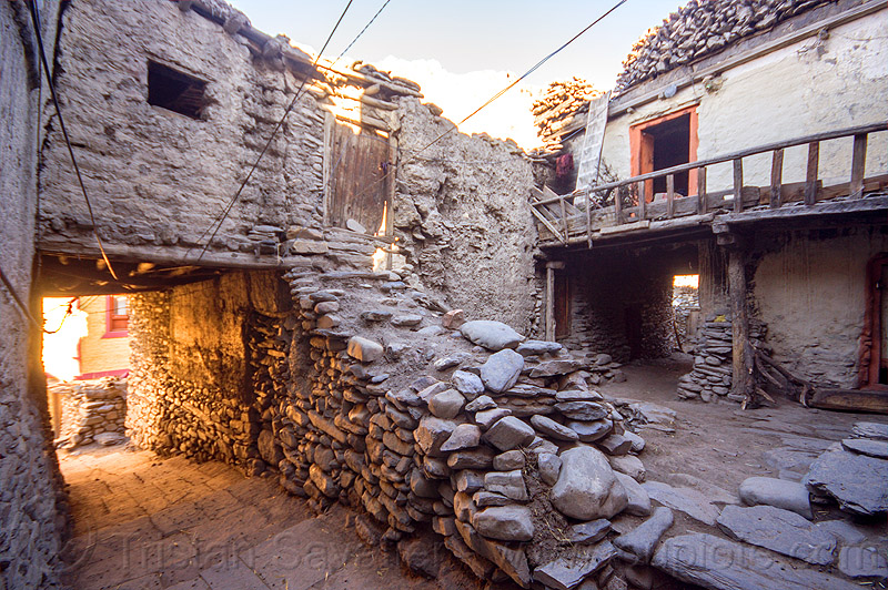 traditional mud houses - kagbeni (nepal), annapurnas, house, kagbeni, kali gandaki valley, street, village