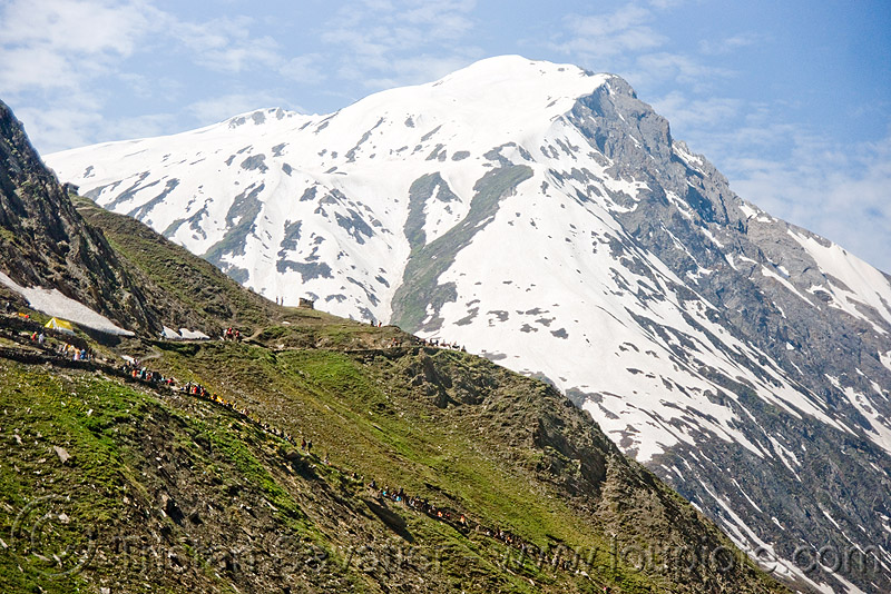 trail and mountain - amarnath yatra (pilgrimage) - kashmir, amarnath yatra, kashmir, mountain trail, mountains, pilgrimage, pilgrims, snow, trekking, yatris, अमरनाथ गुफा