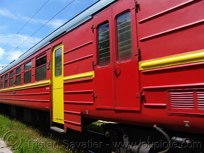 train car - red and yellow, doors, railroad, yallow, българия