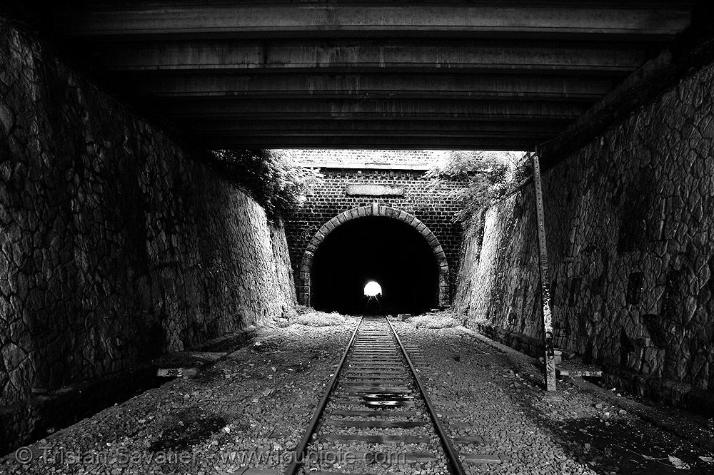train tunnel - petite ceinture - abandoned underground railway (paris, france), infrastructure, railroad, railroad tracks, rails, railway tracks, railway tunnel, trespassing, urban exploration