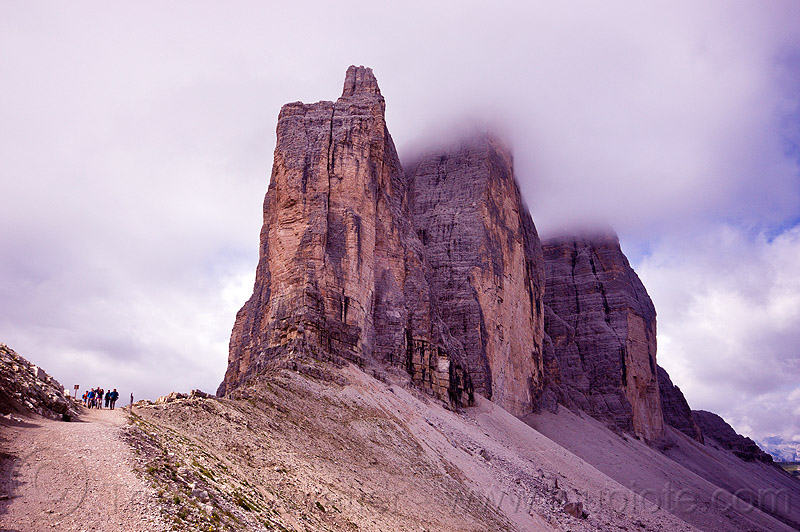 tre cime - dolomiti, alps, clouds, cloudy, dolomites, hikers, hiking, mountains, parco naturale dolomiti di sesto, trail, tre cime di lavaredo