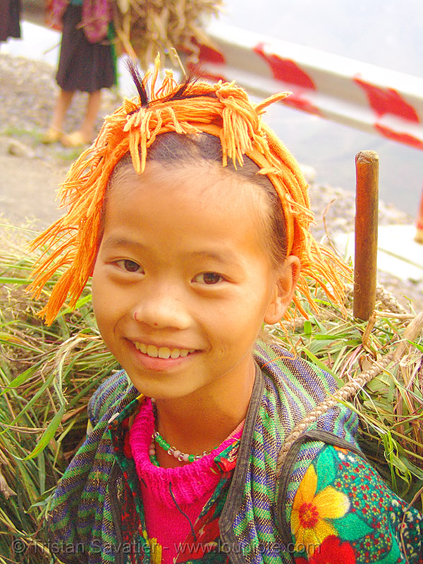 tribe girl carrying grass - vietnam, child, happy, happy smile, hill tribes, indigenous, kid, little girl, ma pi leng, ma pi leng pass, mã pí lèng, mã pí lèng pass, people