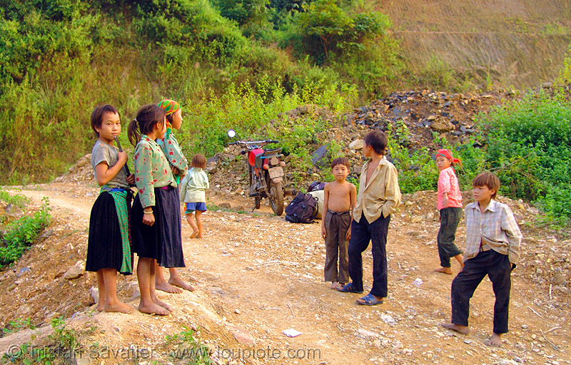 tribe kids - vietnam, 125cc, children, hill tribes, indigenous, kids, minsk motorcycle, motorbike, road, минск 125, мотоциклы