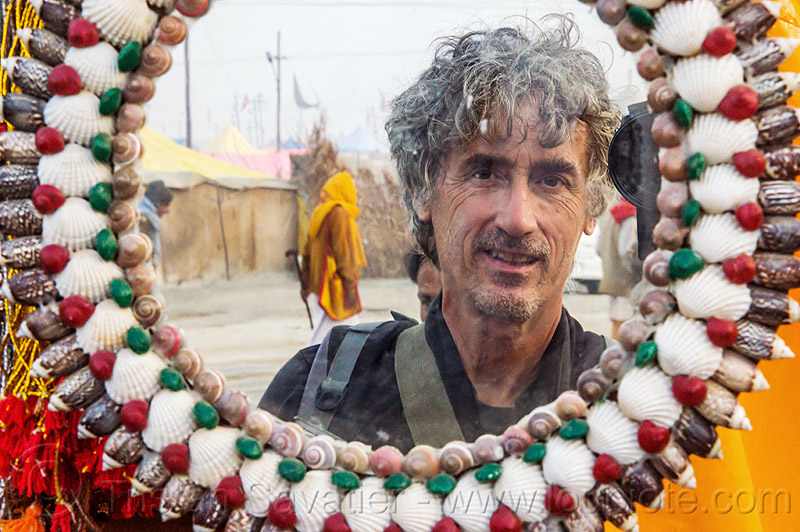 tristan savatier at kumbh mela 2013 (india), kumbha mela, maha kumbh, maha kumbh mela, man, mirror, people, round mirror, self-portrait, selfie