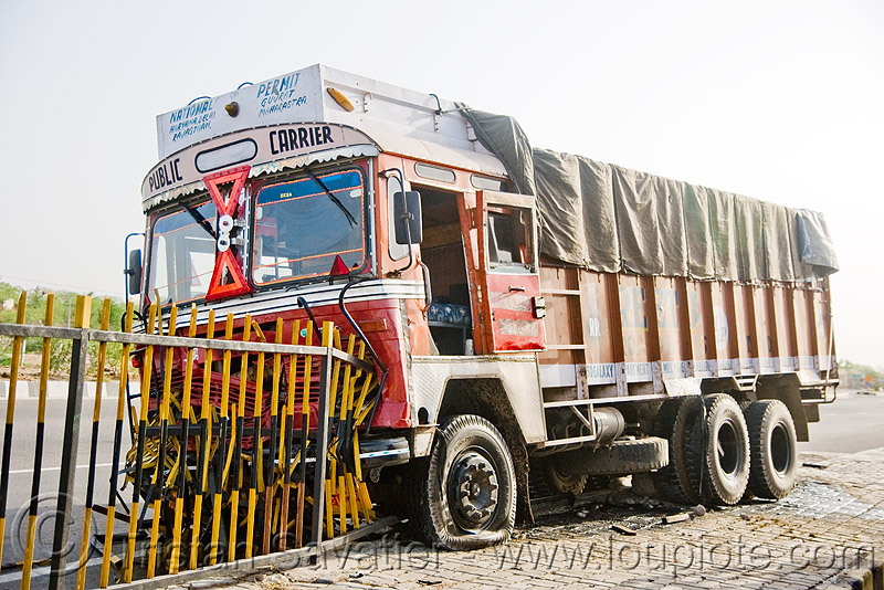 truck accident (india), crash, india, lorry, metal fence, road, tata motors, traffic accident, truck accident, wreck