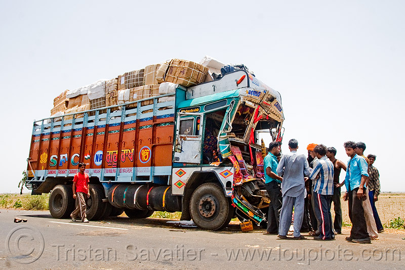 truck accident (india), cab, cabin, crushed, frontal collision, head-on collision, lorry, road crash, tata motors, traffic accident, traffic crash, truck accident, wreck