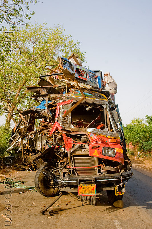 truck accident (india), cab, cabin, crushed, fatal, frontal collision, head-on collision, lorry, road crash, tata motors, traffic accident, traffic crash, truck accident, wreck