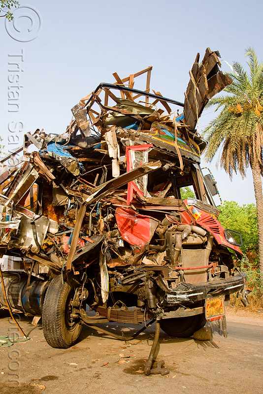 truck fatal accident (india), cab, cabin, crushed, fatal, frontal collision, head-on collision, lorry, road crash, tata motors, traffic accident, traffic crash, truck accident, wreck