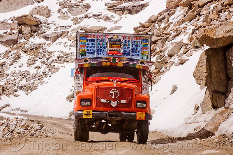 truck - khardungla pass - ladakh (india), india, khardung la pass, ladakh, lorry, mountain pass, mountains, road, snow patches, tata motors, truck