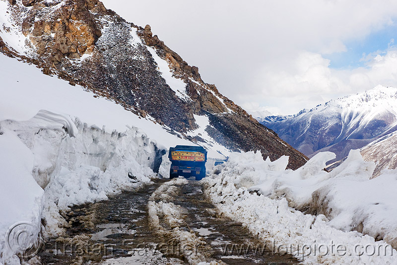 truck, mud and snow on the road - khardungla pass - ladakh (india), khardung la pass, lorry, mountain pass, mountains