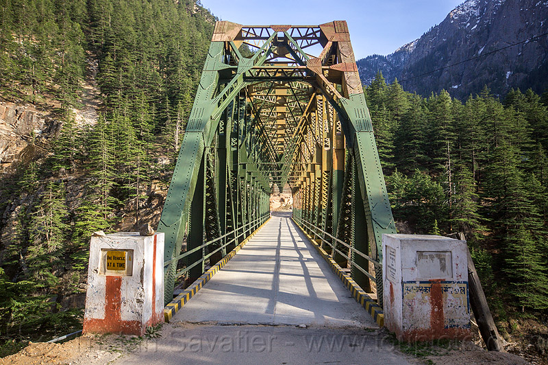 truss bridge - road bridge - bhagirathi valley (india), forest, infrastructure, jadh ganga bridge, metal, mountains, single lane, vanishing point