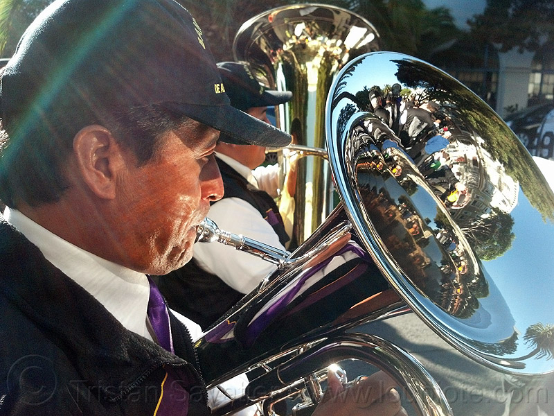 tuba player, brass band, crowd, lord of miracles, man, marching band, music, musical instrument, musician, parade, peruvians, playing, procesión, procession, reflections, religion, señor de los milagros, street, tuba player