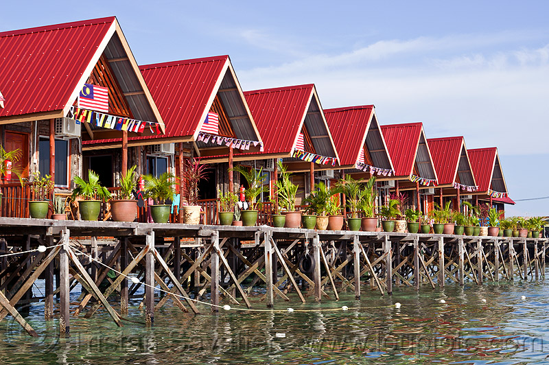 uncle chan dive resort on mabul island (borneo), dive center, dive resort, diving, houses, island, mabul, pier, row, scubadiving, sipadan, uncle chan