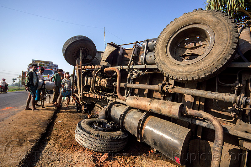 underbelly of overturned truck (india), crash, lorry, overturned truck, road, rollover, tata motors, traffic accident, truck accident, underbelly, wreck