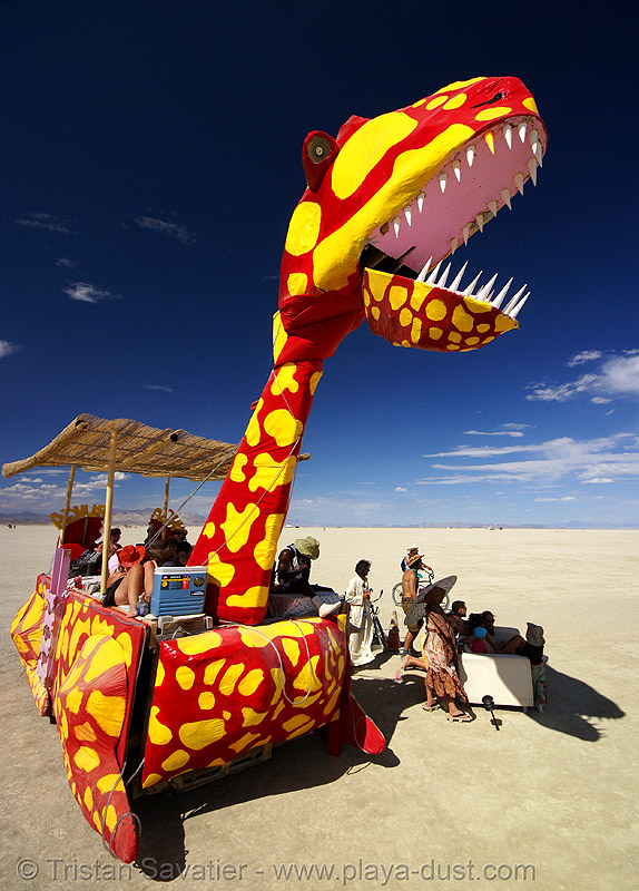 ungabungasaurus the dinosaur art car - burning man 2007, art car, burning man, dinosaur, mutant vehicles, red, saurus, unga bunga, ungabungasaurus, yellow