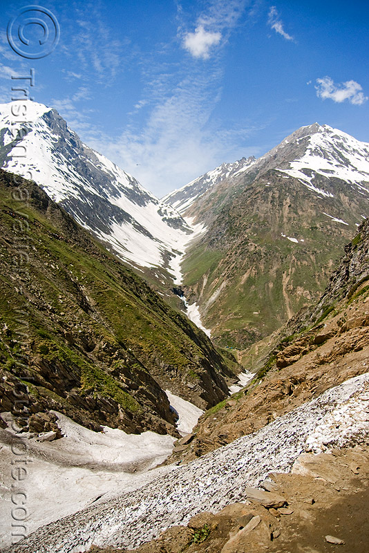valley view from trail - amarnath yatra (pilgrimage) - kashmir, amarnath yatra, kashmir, mountain trail, mountains, pilgrimage, pilgrims, snow, trekking, valley, yatris, अमरनाथ गुफा