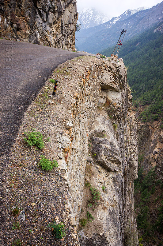 vertiginous mountain road to gangotri (india), bhagirathi valley, cliff, mountain road, mountains