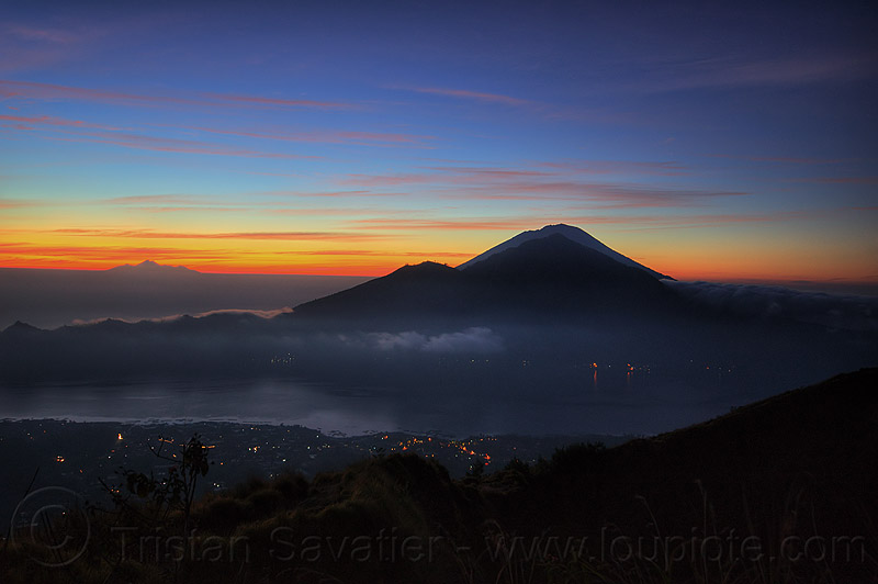 view from batur volcano at sunrise, abang, agung, agung volcano, bali, before sunrise, clouds, dawn, gunung abang, gunung agung, gunung batur, lake, lake batur, lombok, long exposure, mount abang, mount agung, mount batur, night, volcanoes