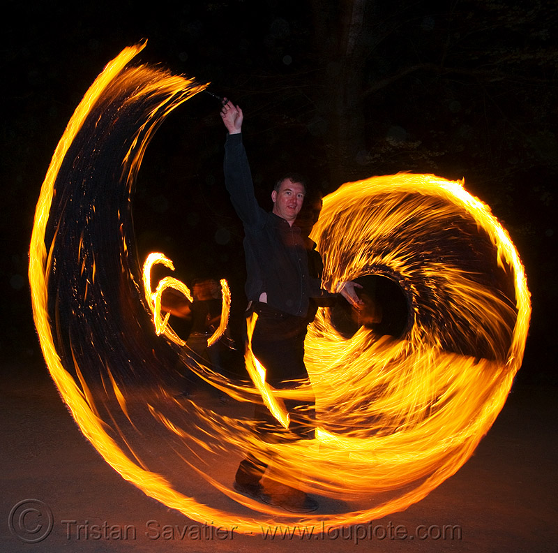 waldemar spinning fire ropes (san francisco), fire dancer, fire dancing, fire performer, fire ropes, fire spinning, flame, long exposure, night, spinning fire, waldemar