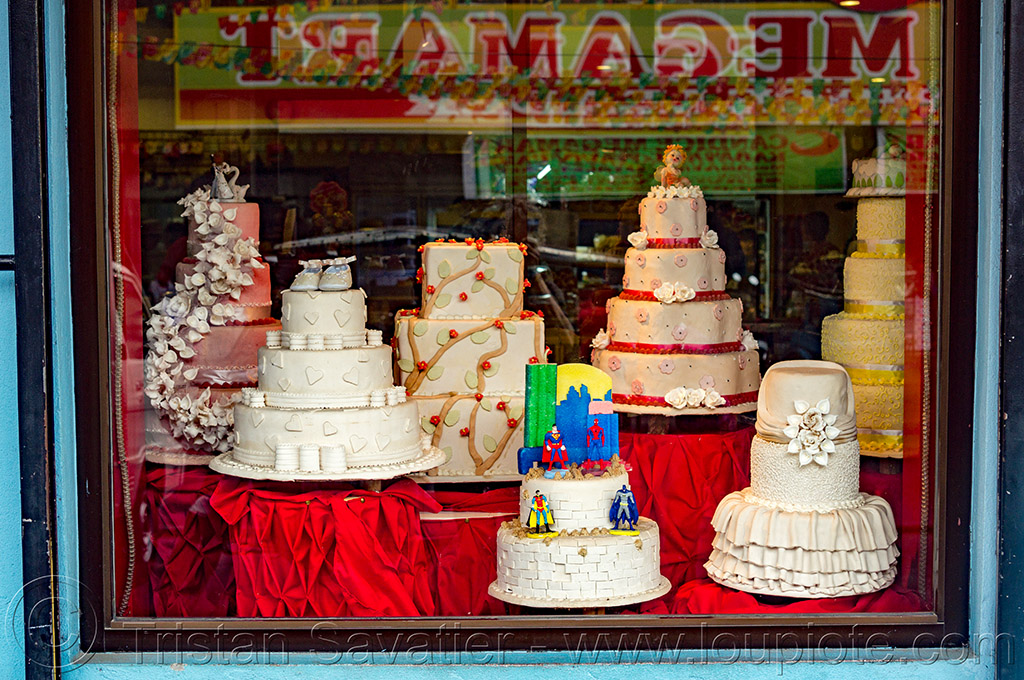 wedding cakes in shop window (philippines), philippines, shop window, tuguegarao, wedding cakes