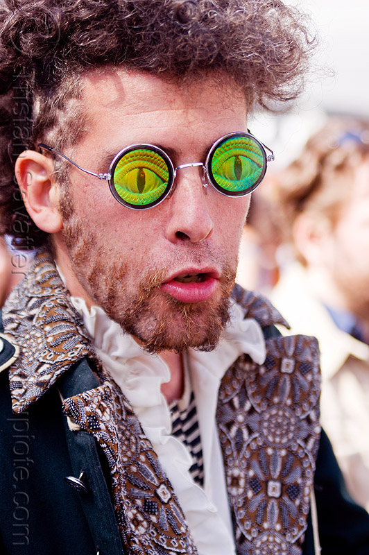 weird guy - hologram eyeglasses, eyeglasses, eyewear, green eyed, green eyes, hologram glasses, how weird festival, man, sculpted beard, snake eyes, spectacles