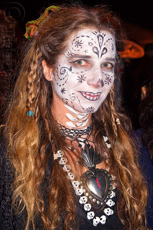 white face paint - sugar skulls necklace - flaming heart metal necklace, day of the dead, dia de los muertos, face painting, facepaint, flaming heart necklace, halloween, metal heart necklace, necklaces, night, sugar skull makeup, sugar skulls necklace, woman