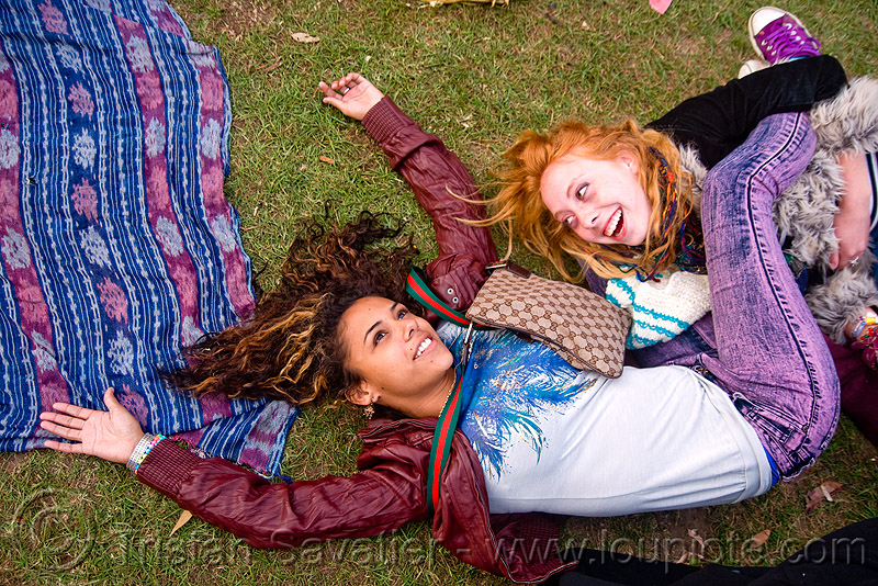 women lying on turf - nicol cruz and sam, bluegrass, enlaced, festival, friends, golden gate park, grass, hardly, nicol cruz, nicolette, passion, sam, samantha, strictly, turf, women