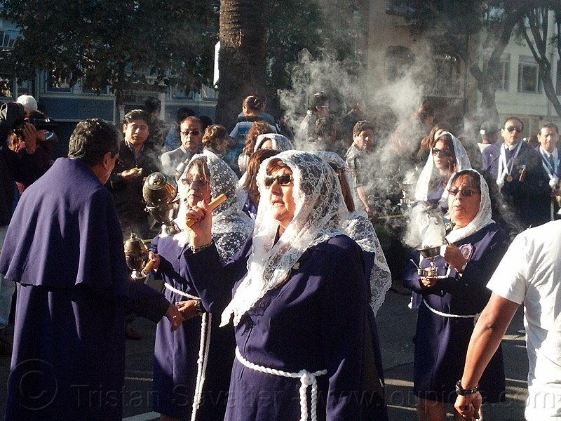 women with smoking thuribles - burning incense - catholic procession, backlight, censers, crowd, incense, lace, lord of miracles, parade, peruvians, señor de los milagros, smoke, smoking, thuribles, veiled, white veils, women