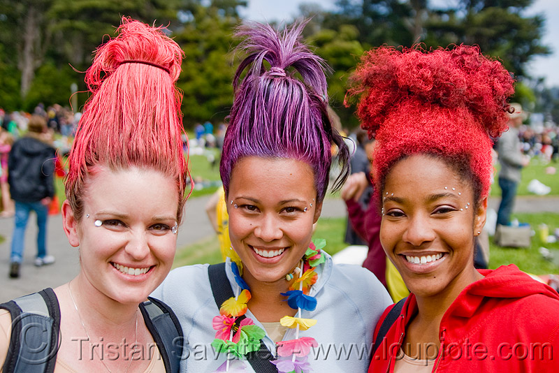 women with troll hair - bay to breaker footrace and street party (san francisco), bay to breakers, colored hair, costume, footrace, purple, red, standing hair, street party, troll costumes, troll hair, trolls, women