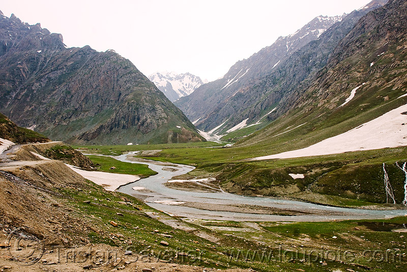 zojila pass - drass river - drass valley - leh to srinagar road - kashmir, dras valley, drass river, drass valley, kashmir, mountains, river bed, snow, zoji la, zoji pass, zojila pass