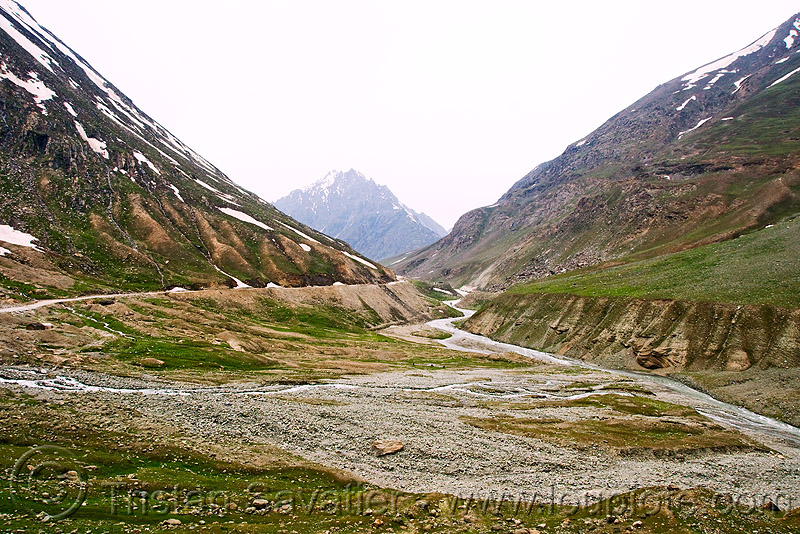 zojila pass - drass river - drass valley - leh to srinagar road - kashmir, dras valley, drass river, drass valley, india, kashmir, mountains, river bed, zoji la, zoji pass, zojila pass