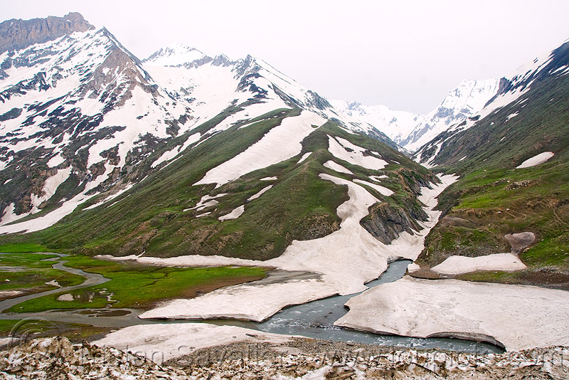 zojila pass - drass river - drass valley - leh to srinagar road - kashmir, dras valley, drass river, drass valley, kashmir, mountains, snow, zoji la, zoji pass, zojila pass