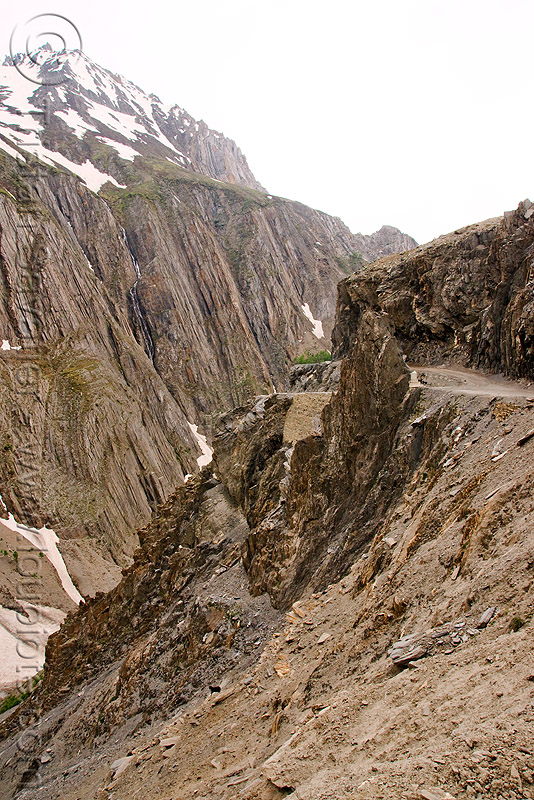 zojila pass - drass valley - leh to srinagar road - kashmir, dras valley, drass valley, india, kashmir, mountain pass, mountains, road, zoji la, zoji pass, zojila pass