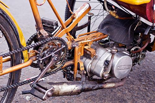 2-stroke suzuki engine - becak motor, 2-stroke, becak motor, cycle rickshaw, engine, java, jogja, jogjakarta, suzuki, yogyakarta