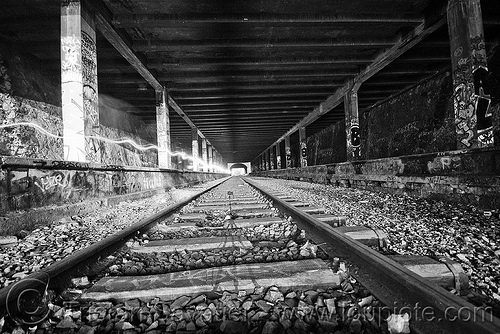 abandoned train tunnel, graffiti, paris, railroad tracks, railway tracks, railway tunnel, train station, trespassing, urbex, vanishing point